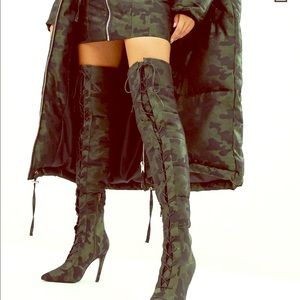 Padded Lace Up Knee Boots